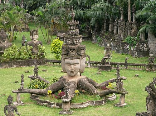 laos_buddha_statue